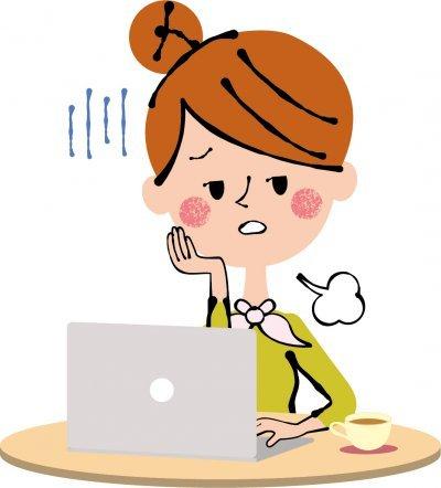 ネットショップを運営していてトラブルで悩む女性