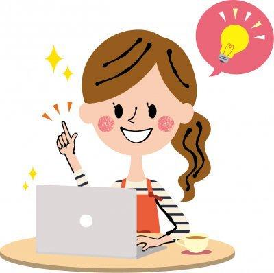 ブログを更新する女性